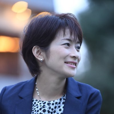 勇気ある女性記者の望月さん
