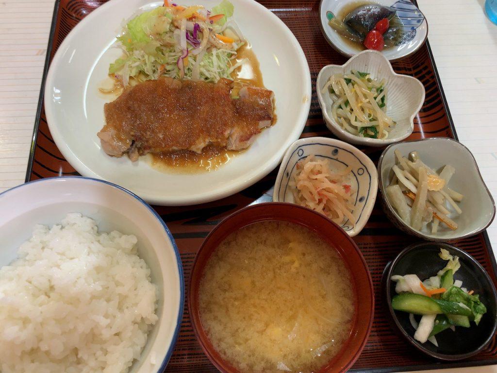 五泉駅前 日の出食堂の生姜焼き定食