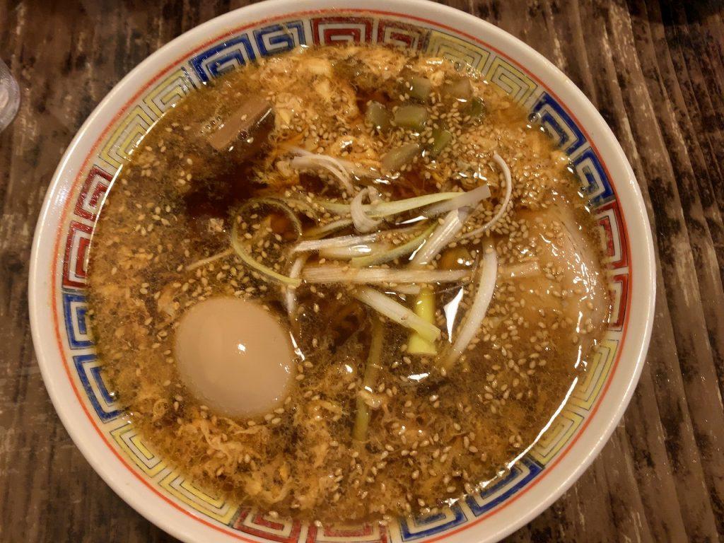 侍ラーメンの卵タンタン麺。(麺少なめ)
