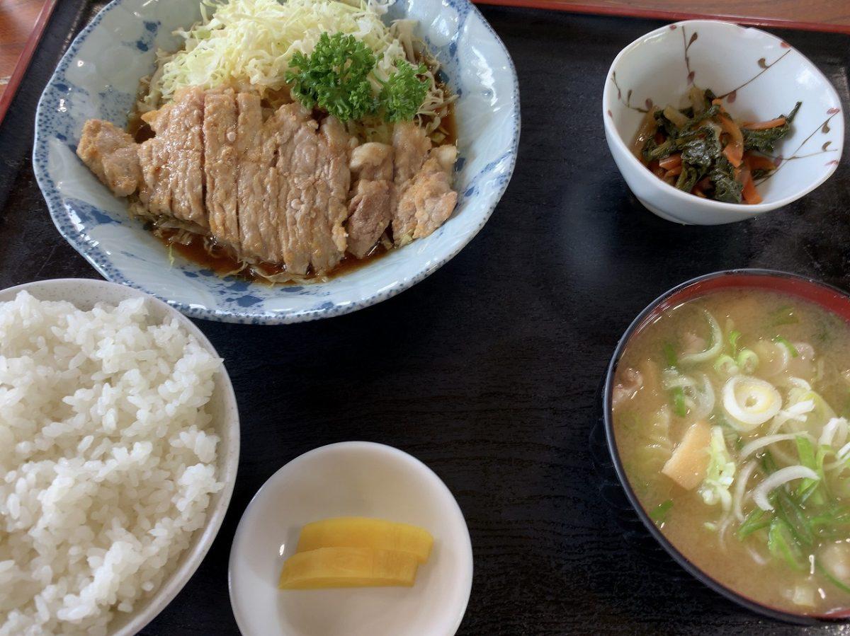 八号線食堂の焼肉定食