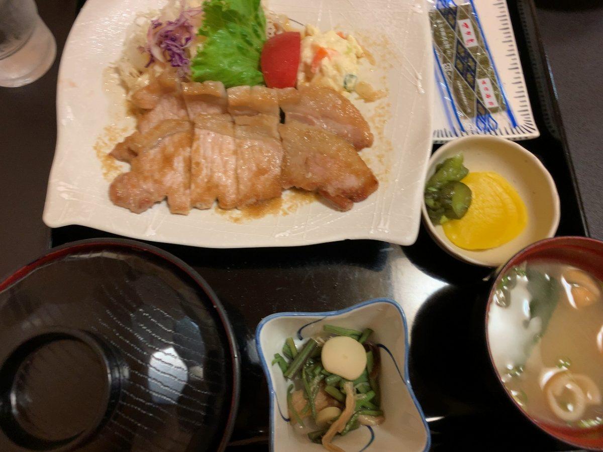 三条市 割烹食堂 中越 生姜焼き定食