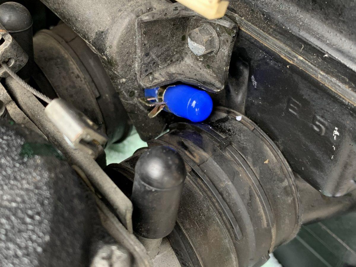 GPZ900Rの「キャブヒーター」を撤去する。