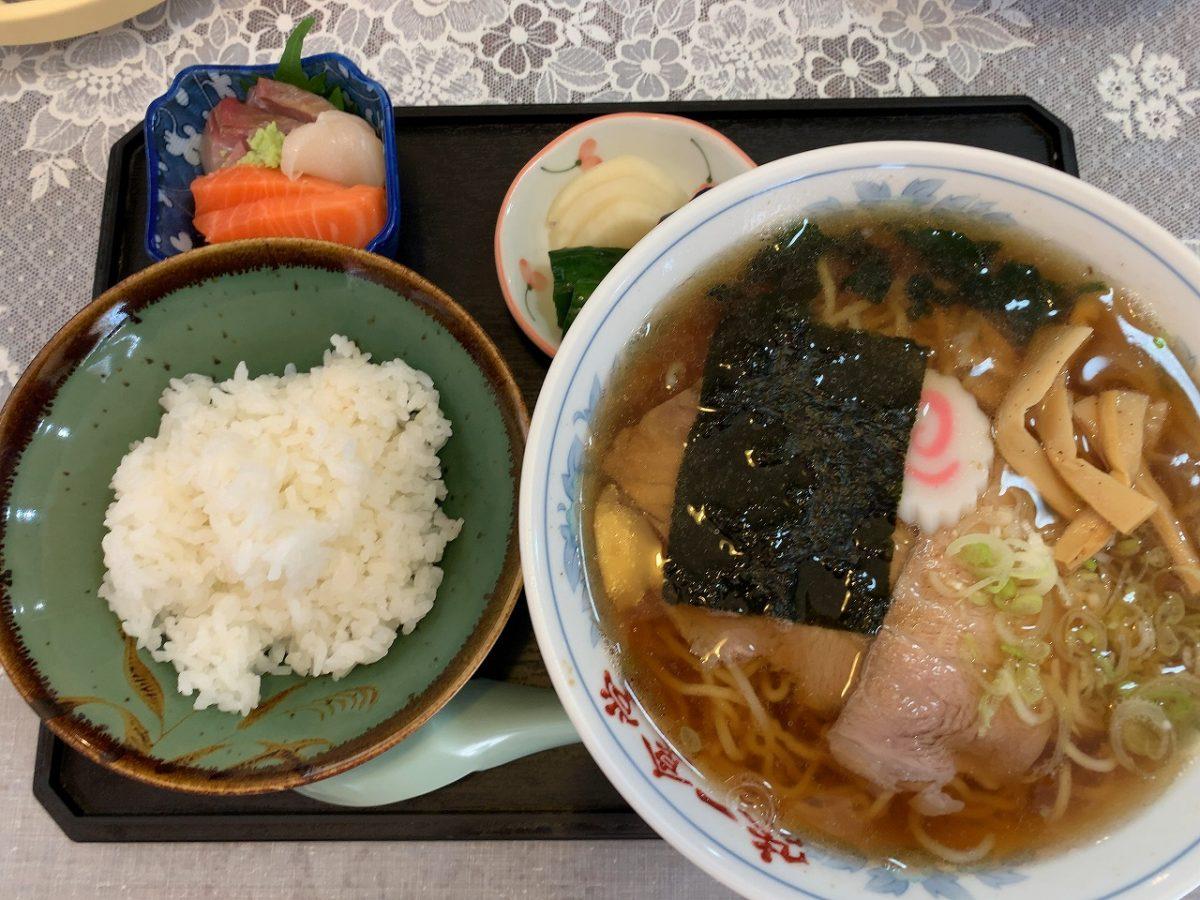 加茂市 味一食堂 中華そば 半ライス付き